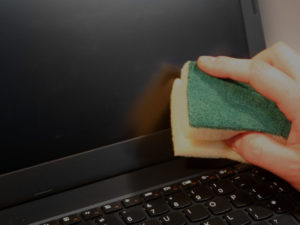 Jak dbać o laptopa? Poradnik